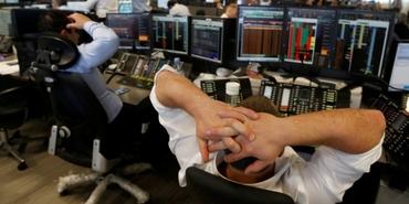 Moody's yüklenmeye devam ediyor: TOKİ ve 6 bankanın da notu düştü