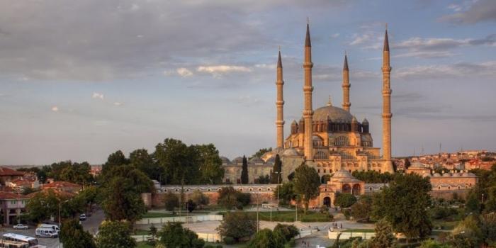 Selimiye Camii ve çevresi trafiğe kapatılıyor