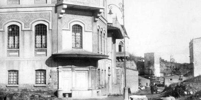 İstanbuldaki tarihi binalar
