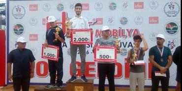 İder Mobilya masa tenisi turnuvasında ödüller sahiplerini buldu