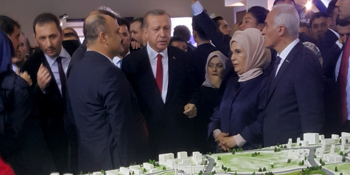 Cumhurbaşkanı Erdoğan'dan 3. İstanbul standına ziyaret