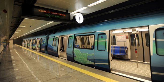 Üsküdar Çekmeköy metro hattının vagonları indirildi