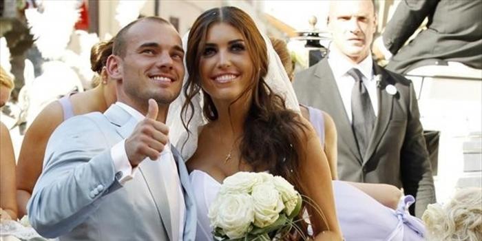Sneijder'in eşi evini sattı