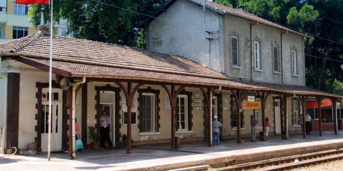 Tarihi Karşıyaka Tren İstasyonu kiraya veriliyor
