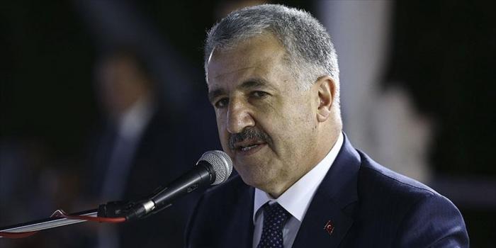 Bakan Arslan'dan Avrasya Tüneli anketi açıklaması: Amacından saptı