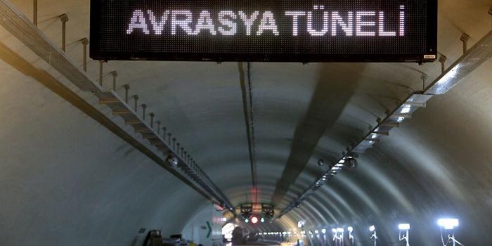 Avrasya Tüneli'nde 24 saat geçiş başladı