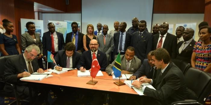 Doğu Afrika'nın ilk YHT'sini Yapı Merkezi inşa edecek