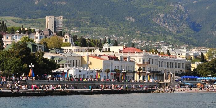 Ağaoğlu yönünü Kırım'a çevirdi