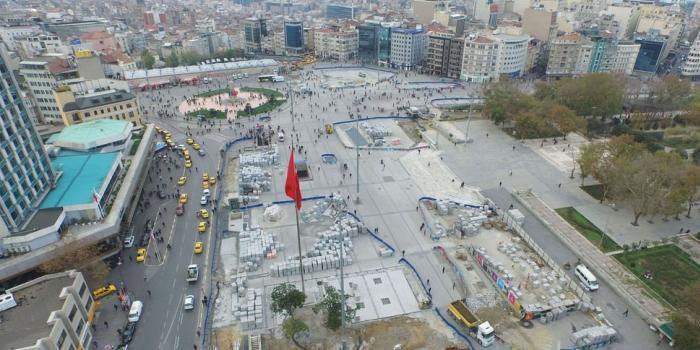 Taksim Camii'ne doğru