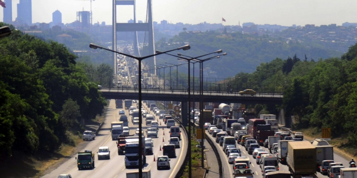 Mega projeler eski köprülerin trafik yükünü hafifletti