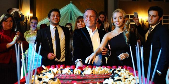Ali Ağaoğlu'na sürpriz doğum günü