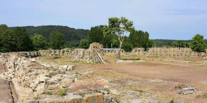 Tarihi Bigalı Kalesi'nde restorasyon başladı