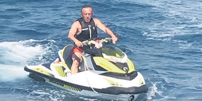 Ağaoğlu geçirdiği kaza sonrası İstanbul'a acil dönüş yaptı