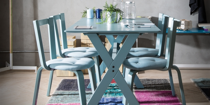 Loda Mobilya'dan Log mutfak masası ve sandalyesi