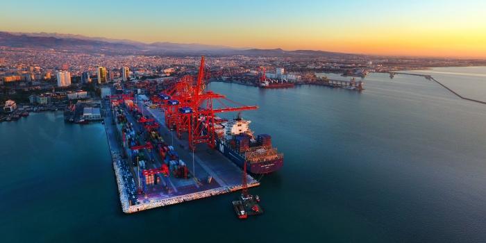 Akfen Holding Mersin Limanı'ndaki hisselerini satıyor