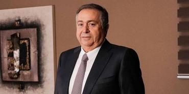 Nazmi Durbakayım kimdir?