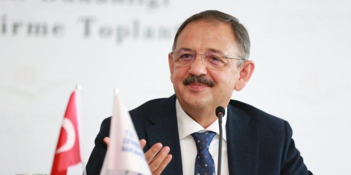 Bakan Özhaseki'den Belediyelere dönüşüm eleştirisi