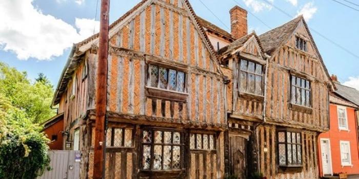 Harry Potter hayranlarına müjde! O ev satışa çıkarıldı!