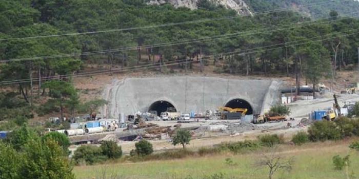 40 dakikalık yol tünellerle 5 dakikaya inecek