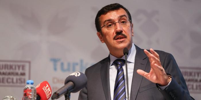 Bakan Tüfenkci: 'Önüne gelen emlakçı olsun istemiyoruz'