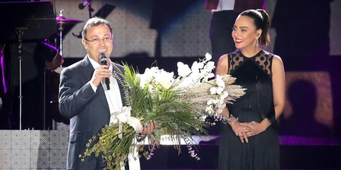 İzmirliler Ebru Gündeş Konseri için DAP İzmir'de buluştu