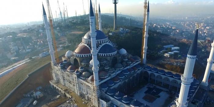 Çamlıca Camii'nin açılışı ertelendi