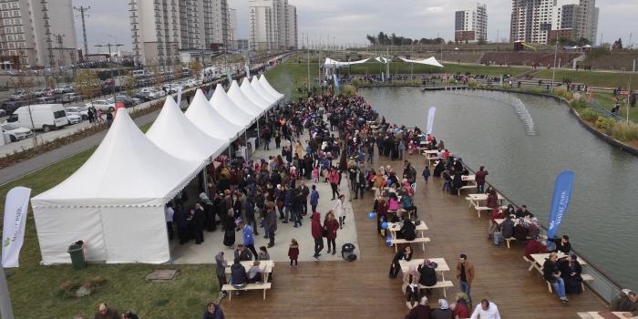 Emlak Konut'tan 'Sokak Lezzetleri Festivali'