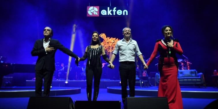 Akfen Holding 41'nci yılını 'Akfenli Yıllar' konseri ile kutladı