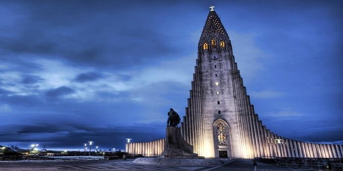 İzlanda'nın en yüksek binası: Hallgrimur Kilisesi