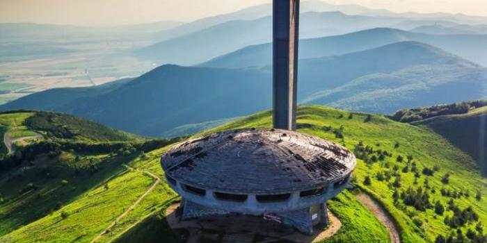 Bulgaristan'ın sembolü Buzludzha Anıtı restore edilmeyi bekliyor