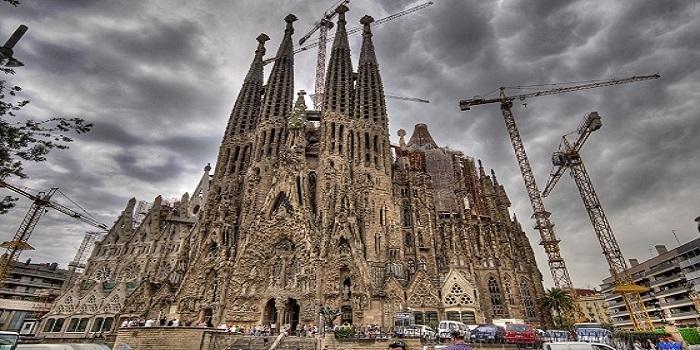 Antoni Gaudi kimdir?