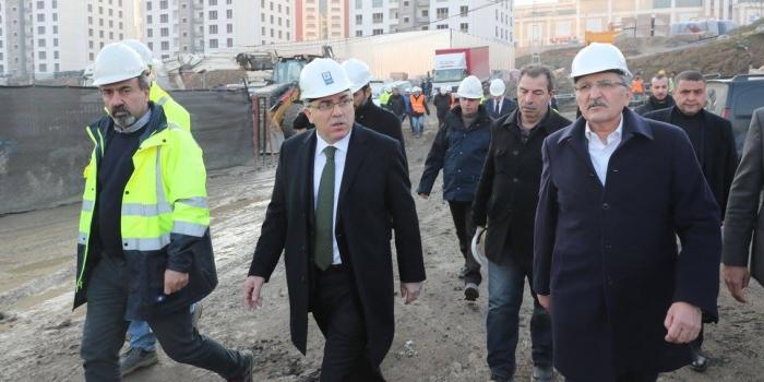 TOKİ Başkanı: Sektöre güzümüz gibi bakmalıyız