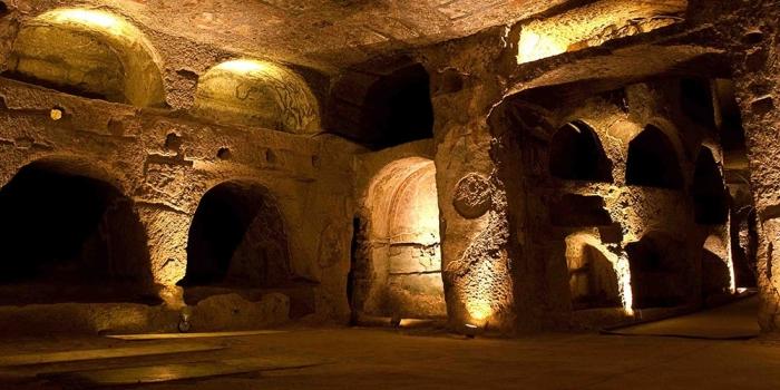 Napoli'nin yeraltı kenti 2400 yıllık bir tarihe sahip