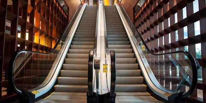 Uzmanlardan yürüyen merdiven uyarısı