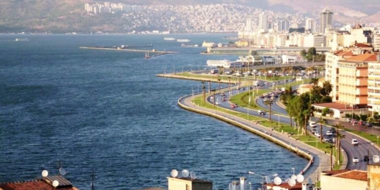 İzmir'in kredi notu zirvede tutundu