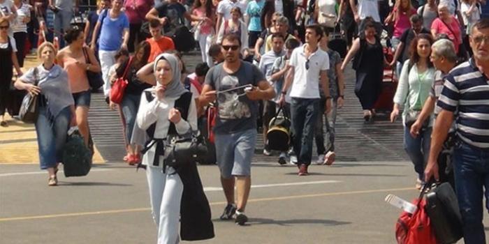 İstanbul'a göç sürüyor