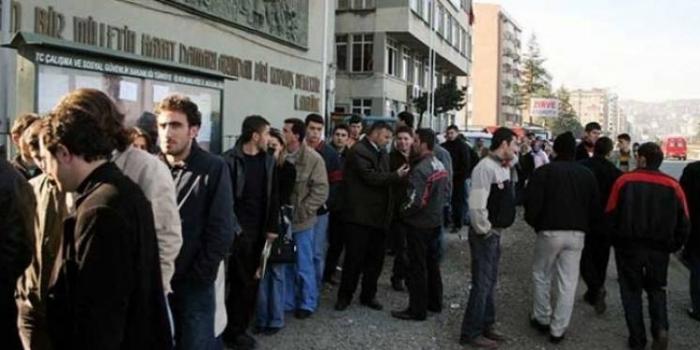İşsizlik oranları zirveden döndü