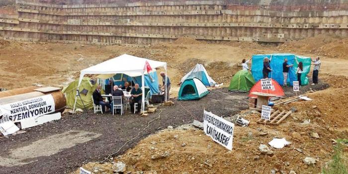 Pana Yapı proje alanı çadır kente dönüştü