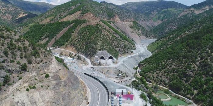 Zigana Tüneli'nde kazı işlemlerinin yüzde 50'si tamamlandı