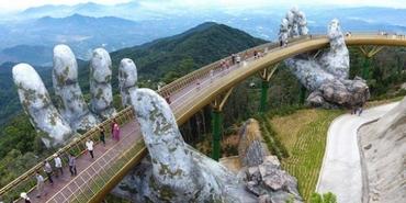 Vietnam'ın dev eller üzerinde duran muhteşem köprüsü